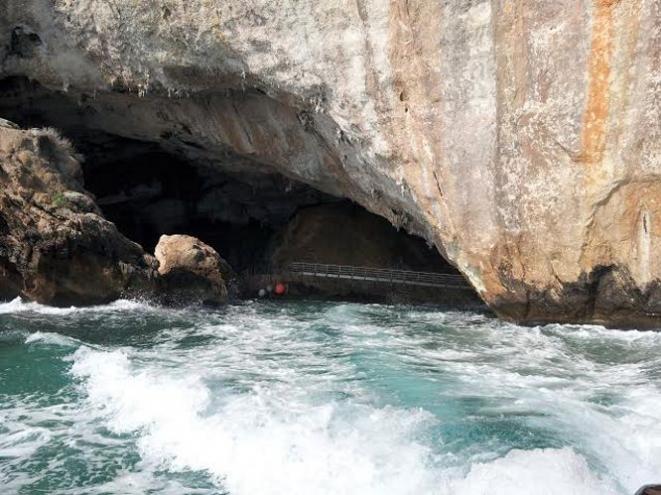 L'ingresso della Grotta del Bue Marino - Foto di Sara Atzori