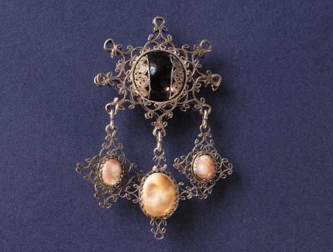 Amuleto contro gli spiriti maligni detto sabegia o cocco o pinadeddu