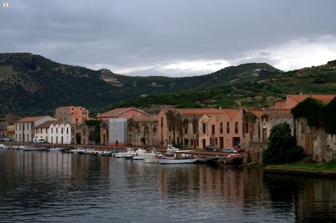 Bosa: the river Temo and the former tanneries - Photo by C. Garau - http://www.sardegnadigitallibrary.it/